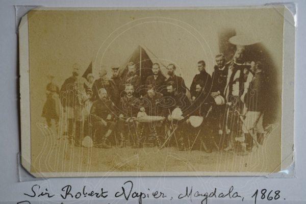 Général Sir Robert Napier et son état-major, Magdala, 1868